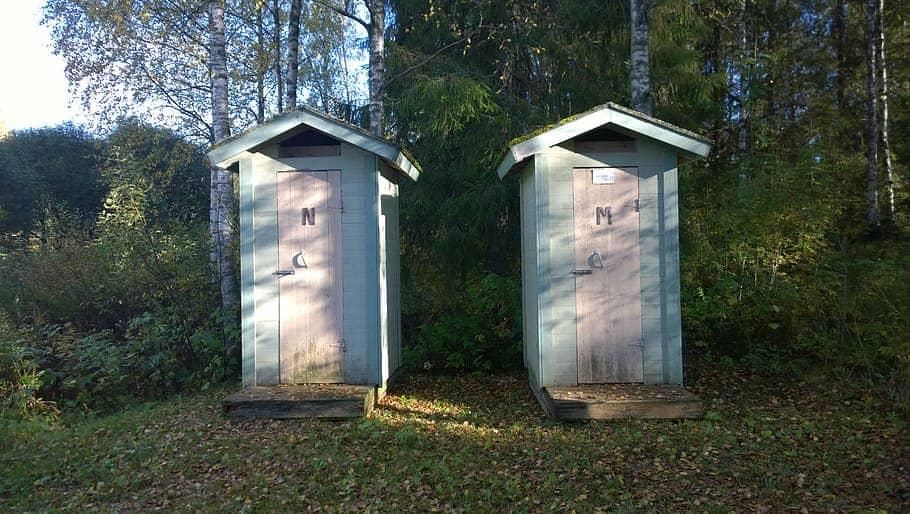 Portable compostable toilets